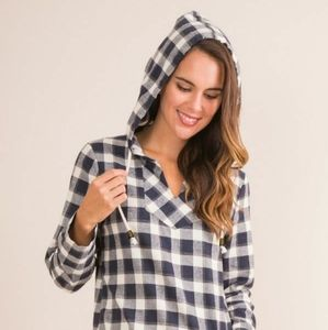 Simply Noelle plaid pullover hooded top